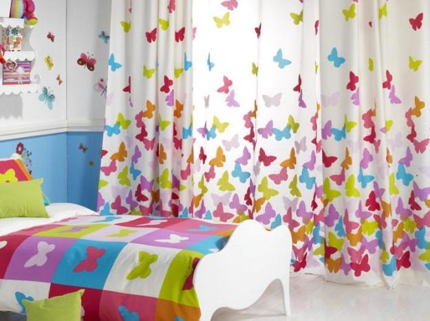 tende-con-farfalle-coloratissime