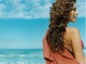 6 patarimai plaukų priežiūra vasarą